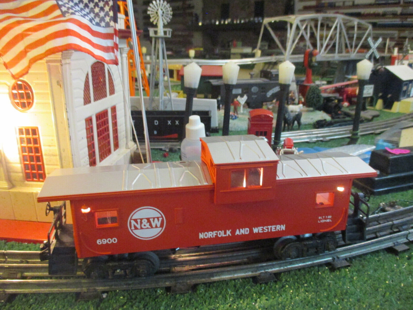 LIONEL MOD 6900 N&W EXTENDED VISION  CABOOSE LIMITED ED 1LLUM 1982 NIOB