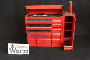 Snap-on-Tool-box-with-tools-and-Fire-extinguisher-1-8-red