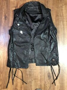BLANKNYC-Womens-Sleeveless-Faux-Leather-Fringe-Vest-Black-Size-S-Small