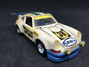 Porsche-carrera-RS-38-modifie-Solido-n-24-pas-atlas