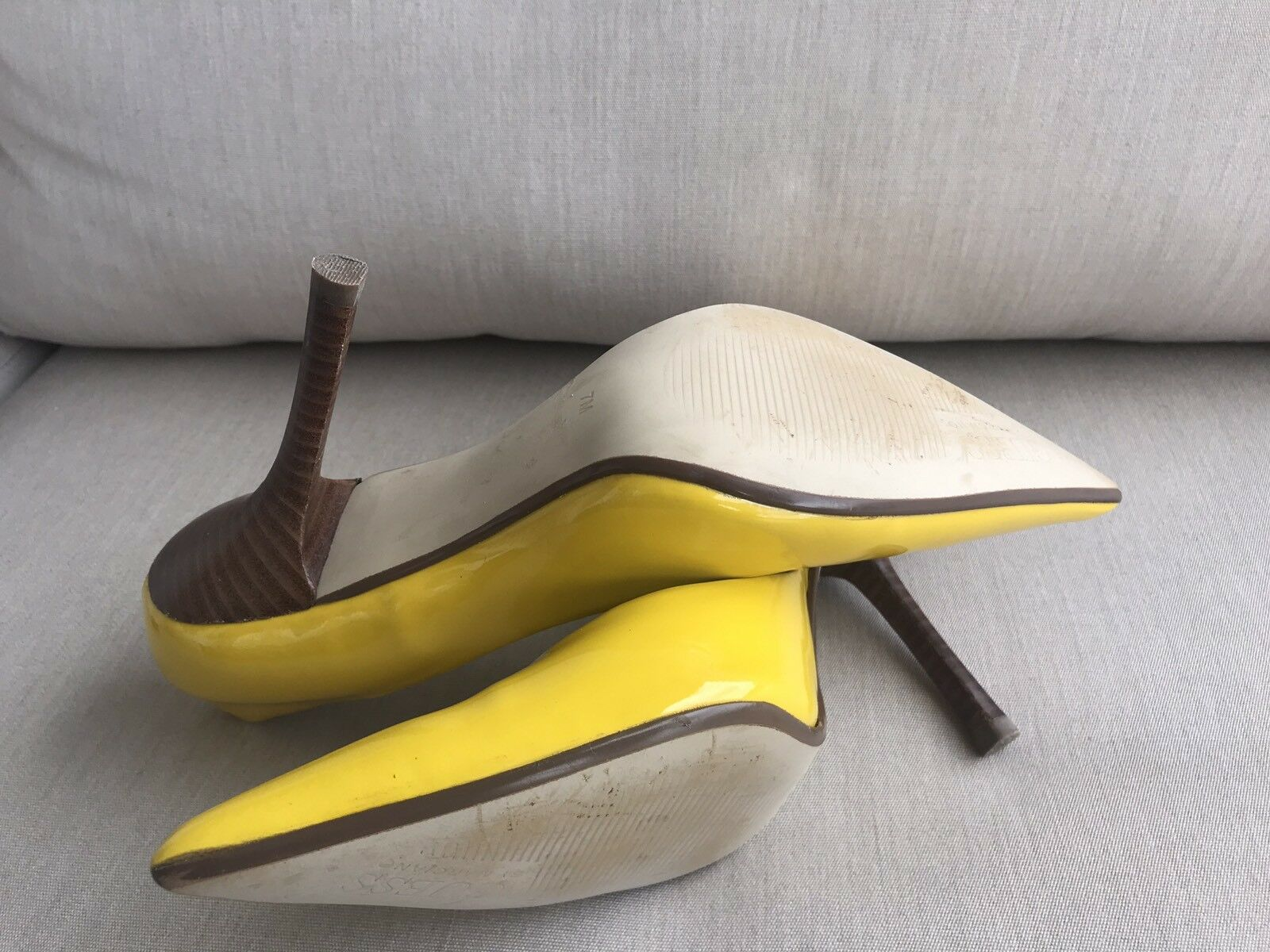 PaTeNT yeLLoW EUC Sz 7 LEATHER LEATHER LEATHER Pointy Toe Stilettos Heels PUMPS CARRIE GuESS b3be5e