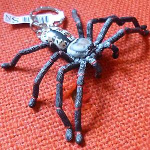 HUNTSMAN-AUSTRALIAN-SPIDER-SOUVENIR-GIFT-KEYCHAIN-KEY-RING-Size-90mm
