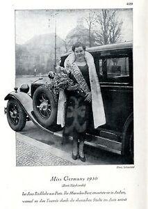 Miss Germany 1930 (Dorit Nitykowski) wird von Mercedes-Benz ...