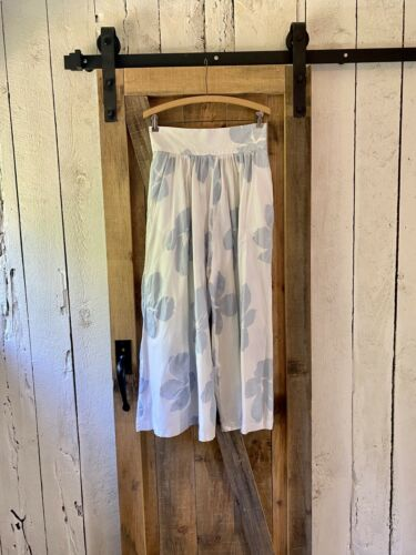 Vintage 80s White Light Blue Floral Gaucho High Ri