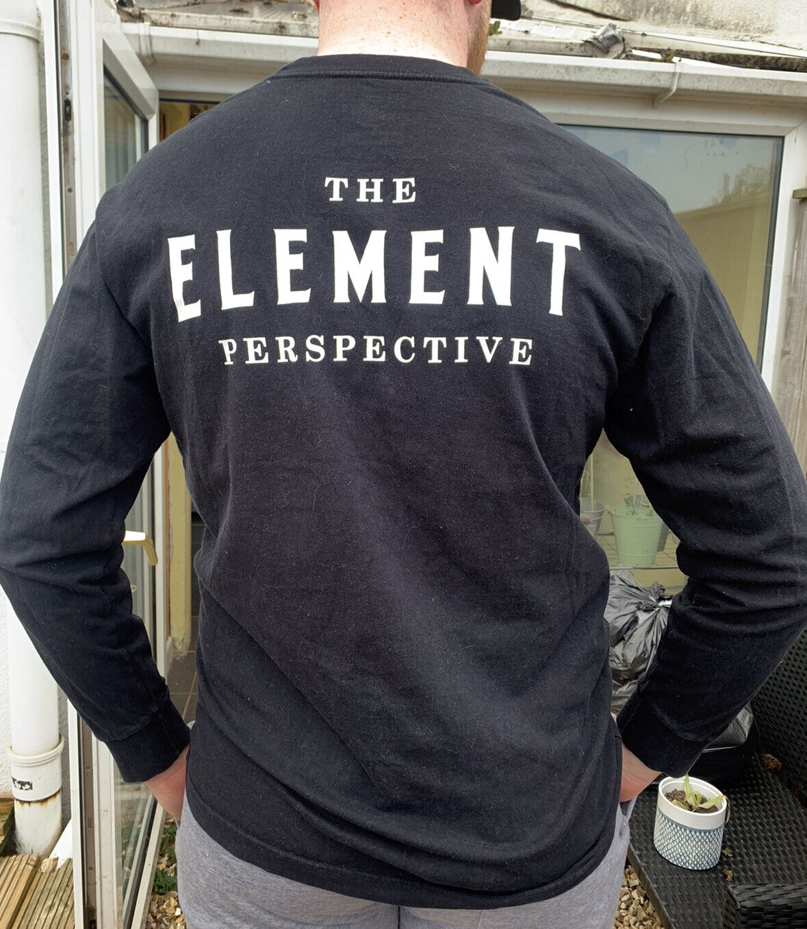 Black Element Sweatshirt jumper With Polaroid Graphic On The Front. Size Large