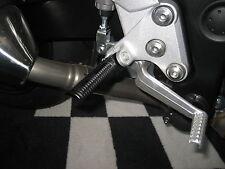1Paar ALUMINIUM FUSSRASTEN RASTEN vorn schwarz Suzuki GSR750 alle Bj. Neu Ovp