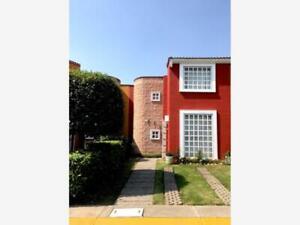 Casa en Renta en Fraccionamiento Hacienda de las Fuentes