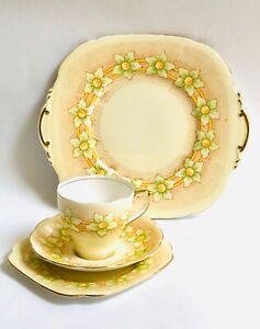 Roslyn-Vintage-China-Tea-cup-saucer-set-Pattern-Delice