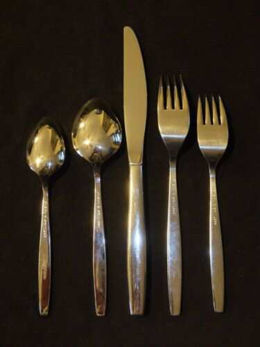 Oneida Heirloom WILL O/' WISP Place Setting Stainless