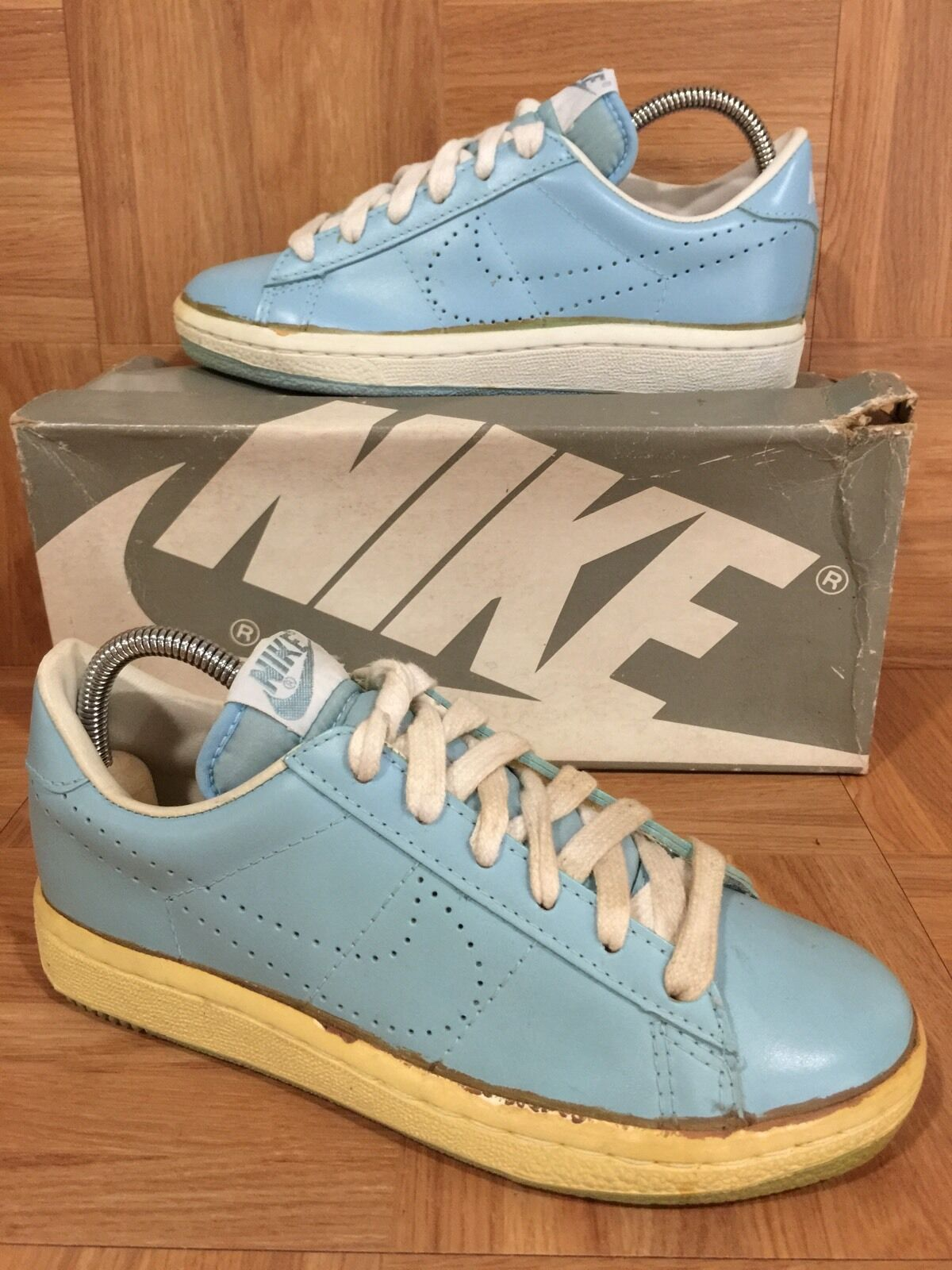 Nike air vapore donne ace scarpa da tennis 724870-100 dimensioni 7 (2lkr upc 1196)