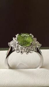 Stunning-Sterling-Silver-Hebei-Peridot-2-75Ct-amp-White-Topaz-Ring-Size-R