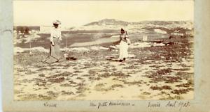 Tunisie-Tunis-Fantasia-Louise-et-une-petite-tunisienne-Vintage-citrate