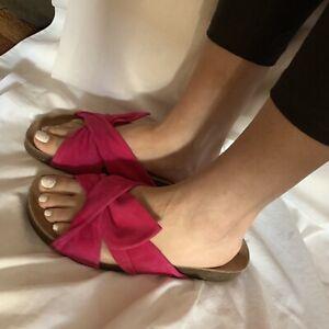 3076470a607d Vince Camuto Berulia Women s Flip Flop Suede Slide Sandal Sz 9 40 ...