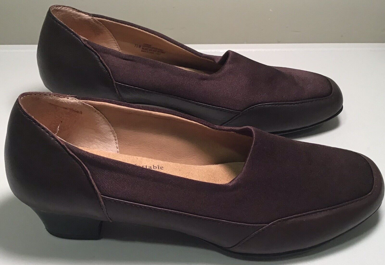 SOFTSPOTS SANTINA Women's Brown Leather Heel Loafer Shoes Size 7.5 Wide EUC