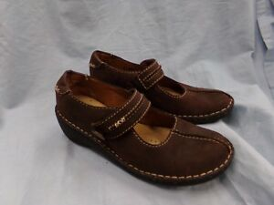Women-039-s-Size-6-5-Clarks-Artisan-Brown-Leather-Mary-Jane-Shoes-EUC