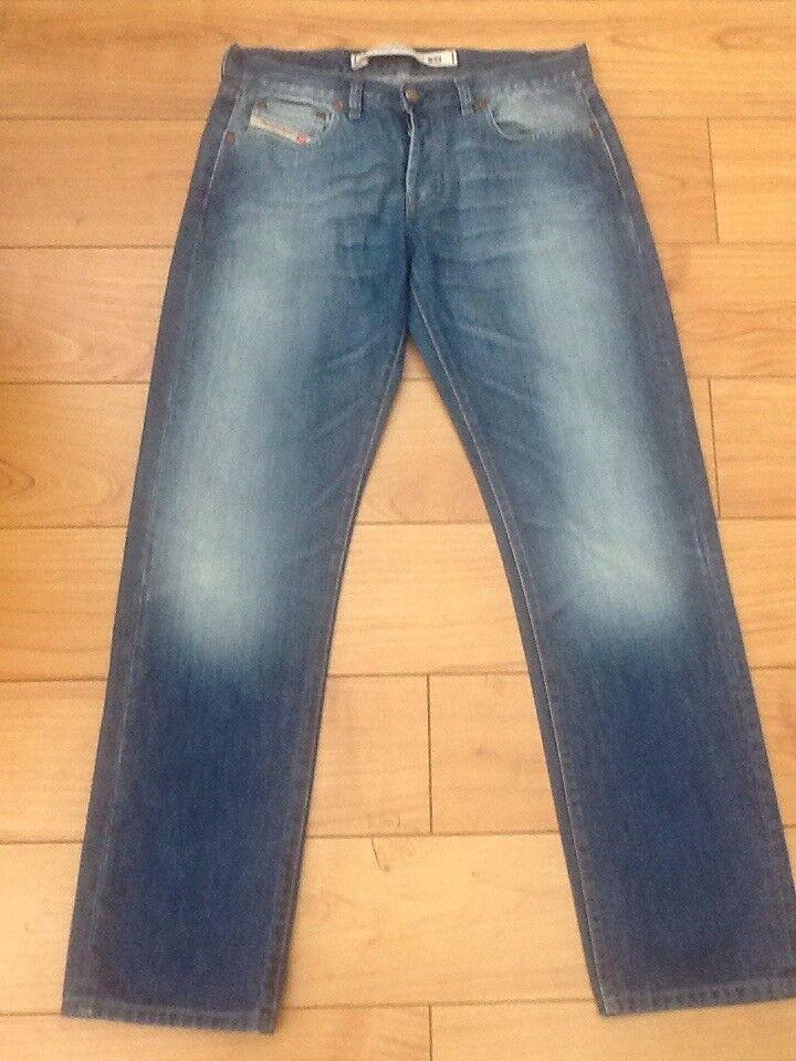 Diesel Zerox Jeans W32 L32 Ex Con
