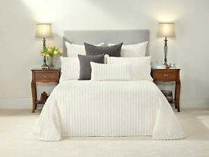 Bianca-Chelsea-Cream-Cotton-Chenille-Bedspread-Set