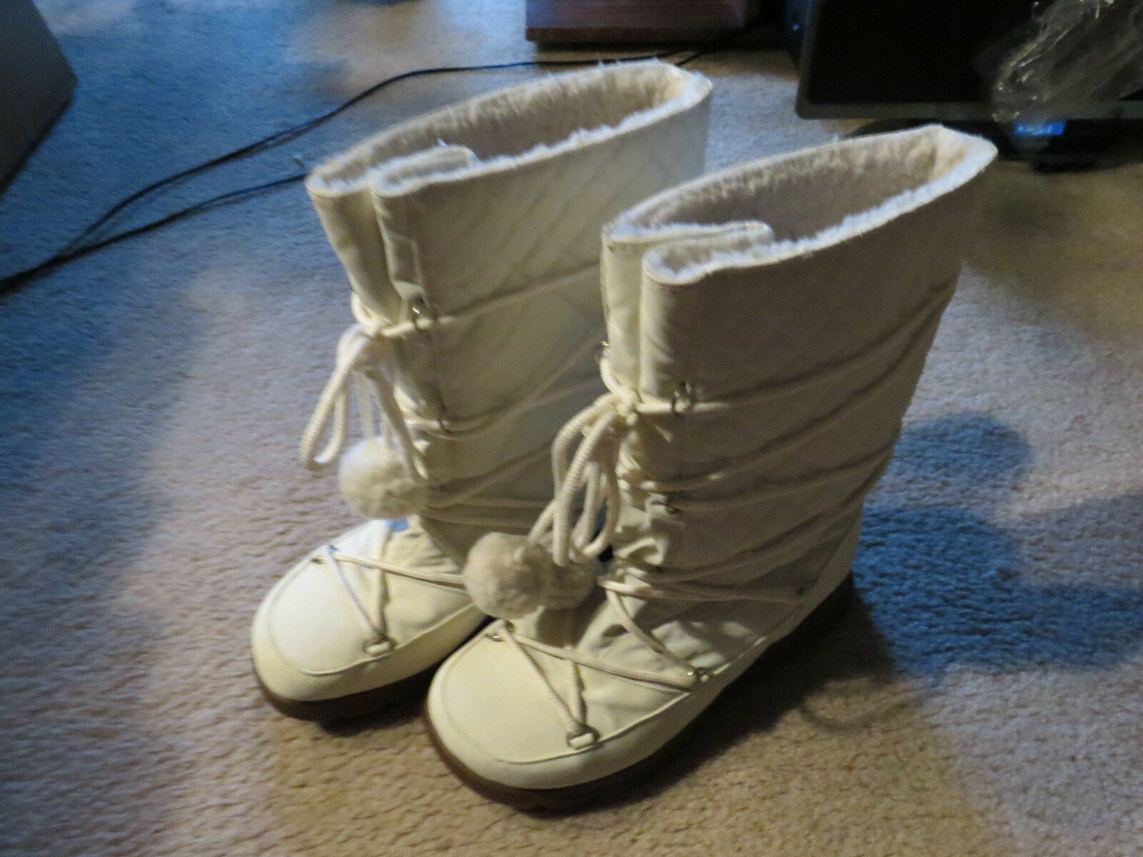 Womens  NEW ATTITUDE   Winter Boots Size 7.5 Used but great  Look