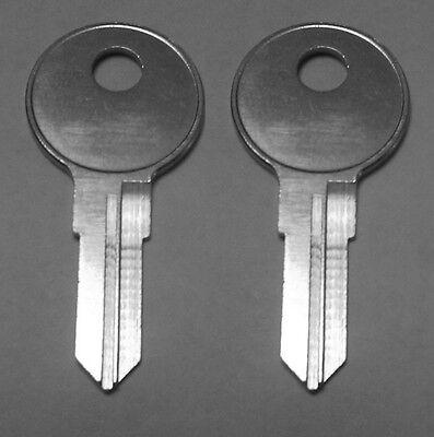 2 Leer Bauer Truck Cap Keys Code Cut 001 thru 020 Camper Topper Lock Key