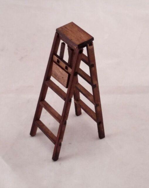 12th Dollhouse Miniature Furniture Outdoor Garden Wood Folding Step Ladder
