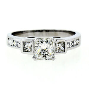 Beautiful 1.42 Carat Colorless Diamond Ring Solitaire And Accents 18 Karat Yellow Gold Fine Jewelry