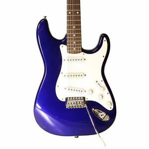 2004 fender squier strat affinity series metallic blue electric guitar ebay. Black Bedroom Furniture Sets. Home Design Ideas