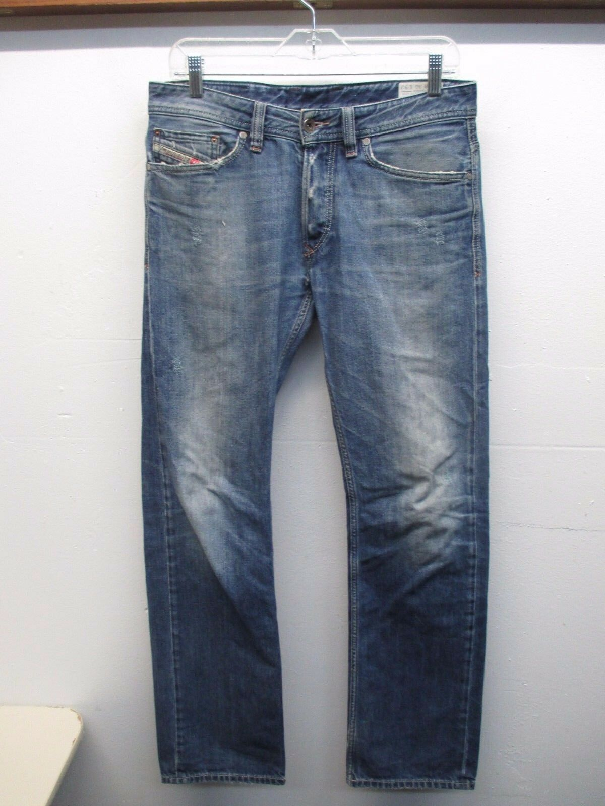 Diesel Viker Men's Button Fly Distressed Regular Straight bluee Jeans 30Wx32L