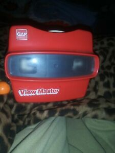 Vintage-GAF-Red-View-Master-w-8-Reels-in-working-condition