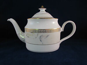 Minton-Fine-Bone-China-Alabaster-amp-Gold-S774-Teapot-with-Lid