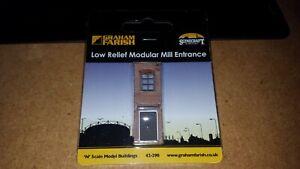 N-Gauge-Graham-Farish-Scenecraft-42-290-Low-Relief-Modular-Mill-Entrance