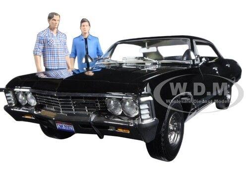 1967 Chevrolet Impala Supernatural avec Sam  et Dean figures 1 18 vertlumière 19021  bonnes offres