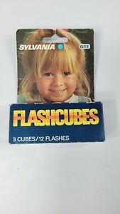 Vintage Sylvania GTE Blue Dot Flash Cubes 3 Pack 12 Flashes new in box