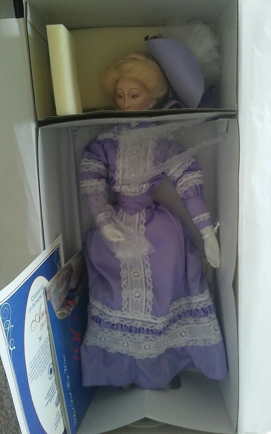 AUTHENTIC   ANNE   150TH ANNIVERSARY DOLL  SMITHSONIAN INSTITUTION   U.S.H.S.