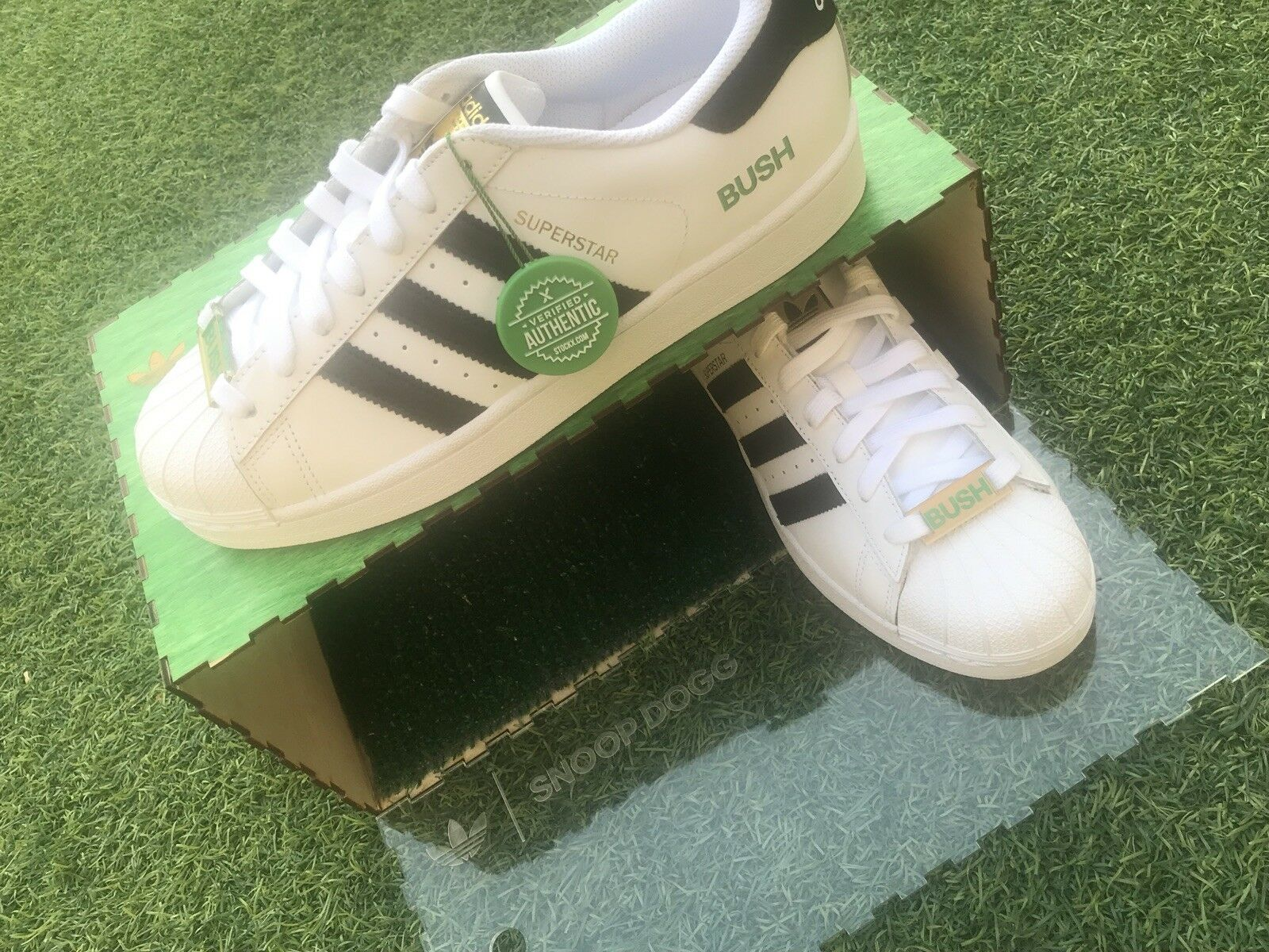 """Snoop Dogg Limited Edition Friends And Family Size 8 Superstar Adidas """"bush"""""""