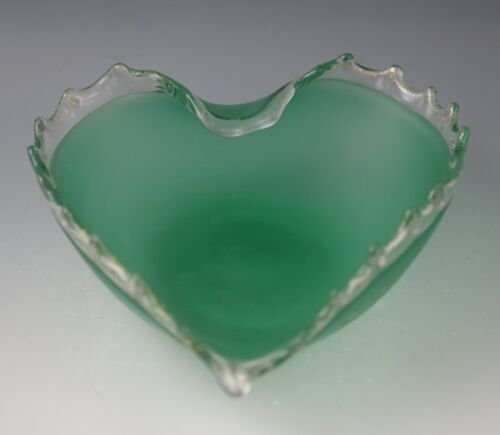 MCM BAROVIER TOSO MURANO GLASS GREEN SATIN WITH LACE HEART SHAPE BOWL