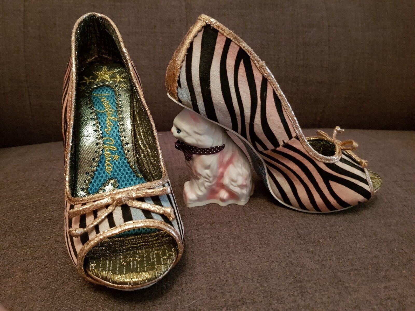 Descuento de liquidación Irregular Choice Paw Print. Cat Heels. Rainbow Zebra print. Size 4.