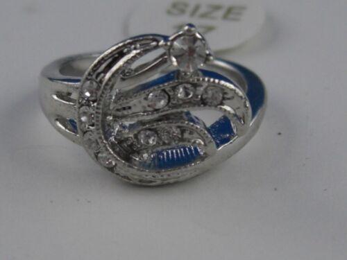 B25 Funkelnder Ring künstlicher Brillant Effekt Model Ira Tolles Design