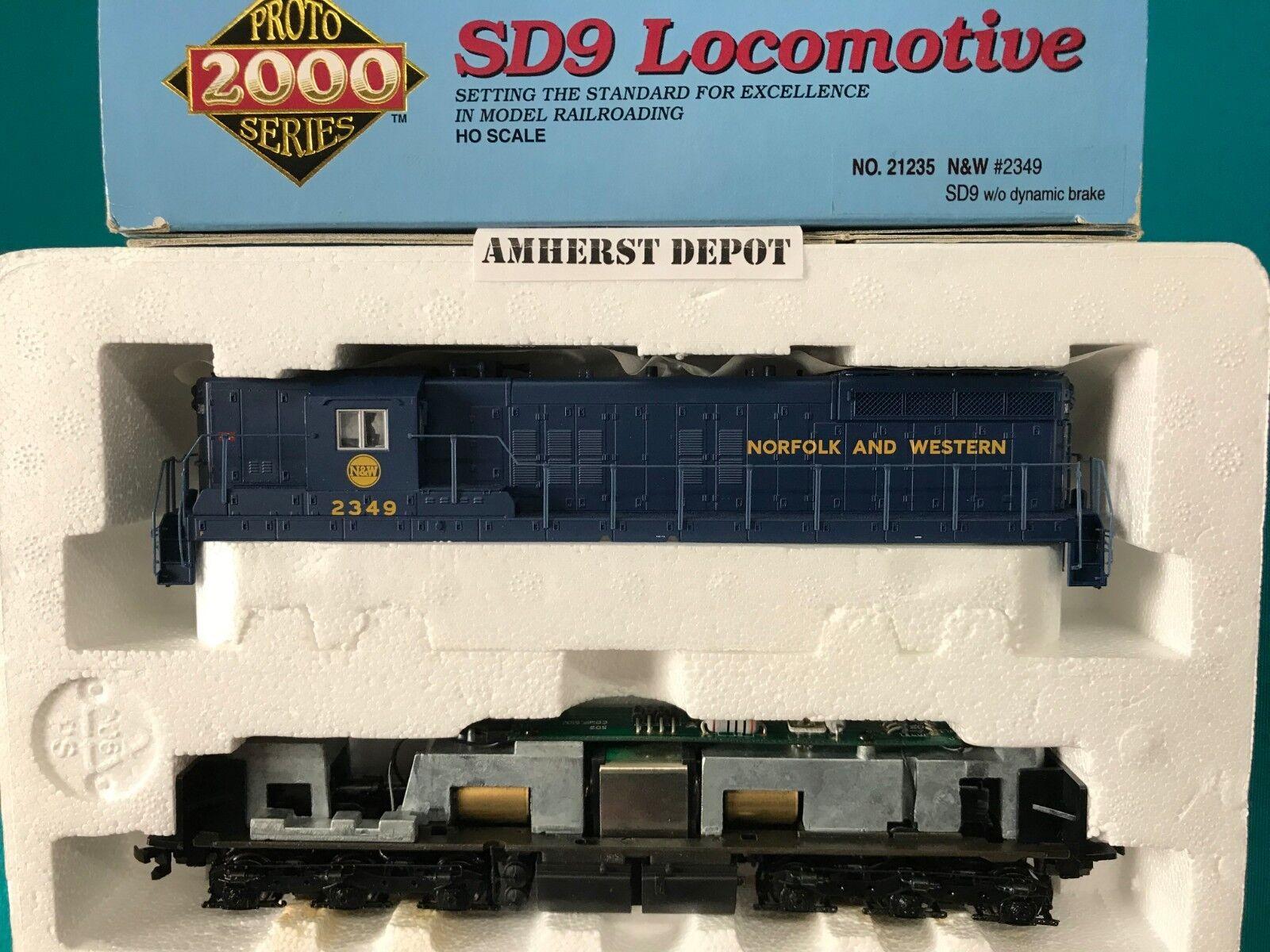 Lifelike HO SD9  Engine 21235  Norfolk & Western Predo 2000  N & W Locomotive