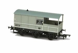 Oxford-Rail-76TOA004-OO-Gauge-BR-6-Wheel-Brake-Van-Wolverhampton-56962