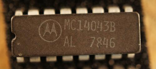 NOS MOTO MC14043B qty 1 CERDIP16              Ship in USA tomorrow!