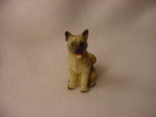 AKITA fawn brown puppy TiNY FIGURINE Dog HAND PAINTED MINIATURE Sm Mini Statue