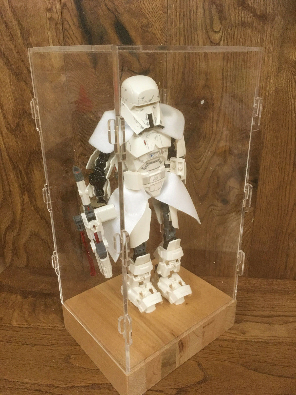 Deluxe Hardwood & Clear Acrylic Display Case INC LEGO Star Wars Stormtrooper