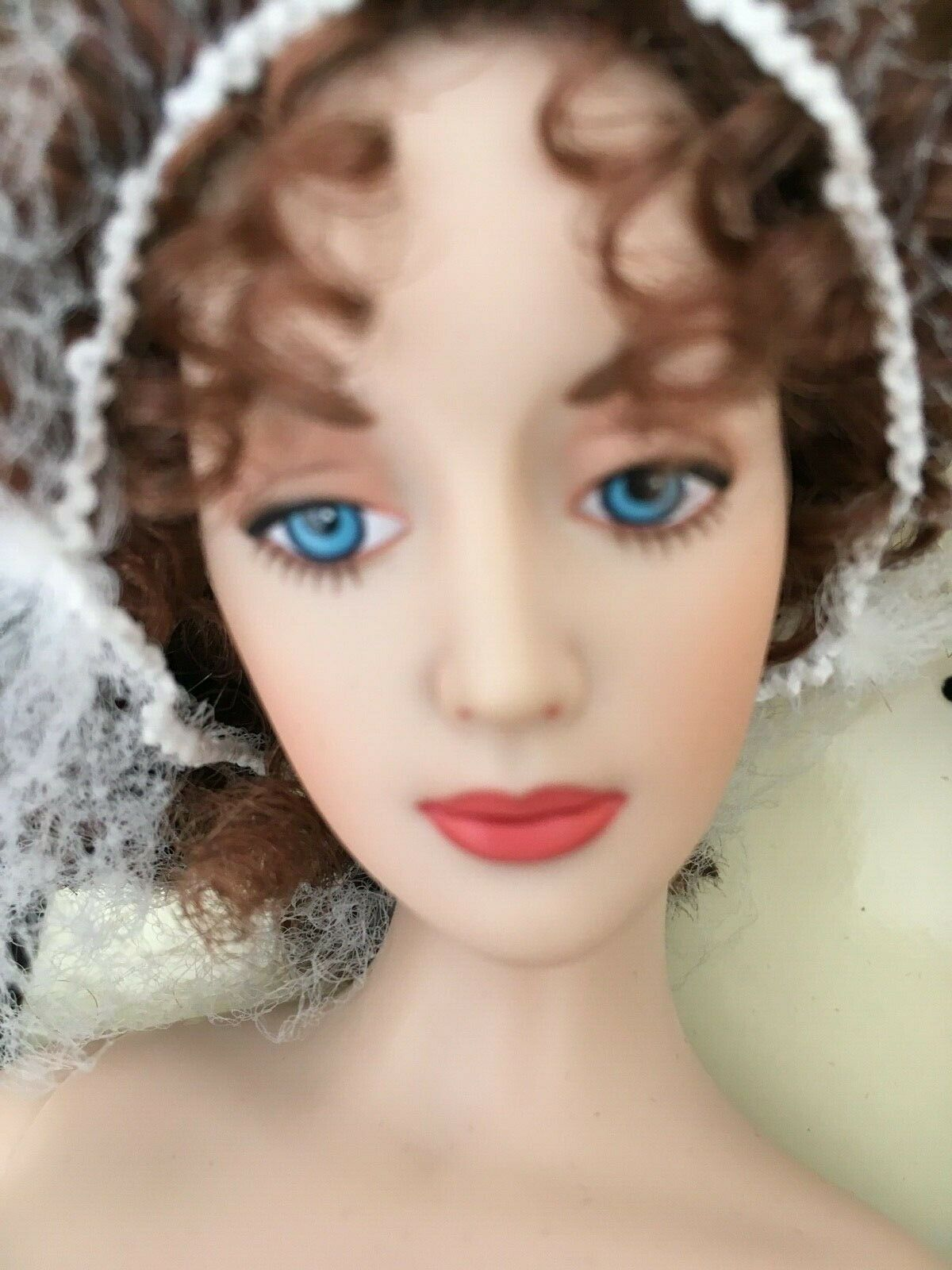 FRANKLIN MINT Gibson Girl 15  Vinyl in NIGHT at the OPERA Ensemble + Stand NRFB