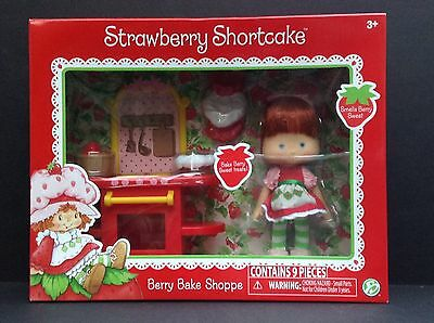 STRAWBERRY SHORTCAKE DOLLS UNSEALED BOX  KENNER 80/'S 3 VINTAGE .