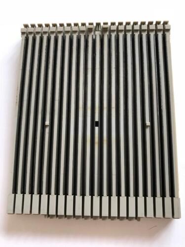 P34 PASSAP KNITTING MACHINE PART DUOMATIC 80 PINKY VM NEEDLE BED PLATE 16.039.11