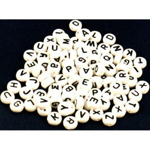Carta único Acrílico 100 A-Z Alfabeto Cubo Blanco Perlas 6mm 7mm Mesa de joyas