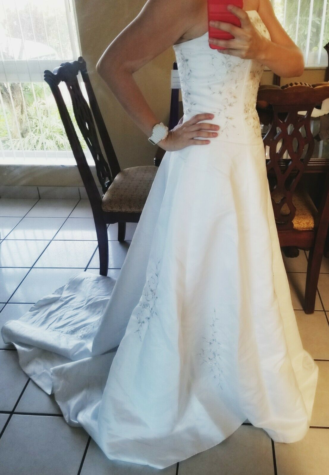 Wedding Dress Size 8 (Never used)