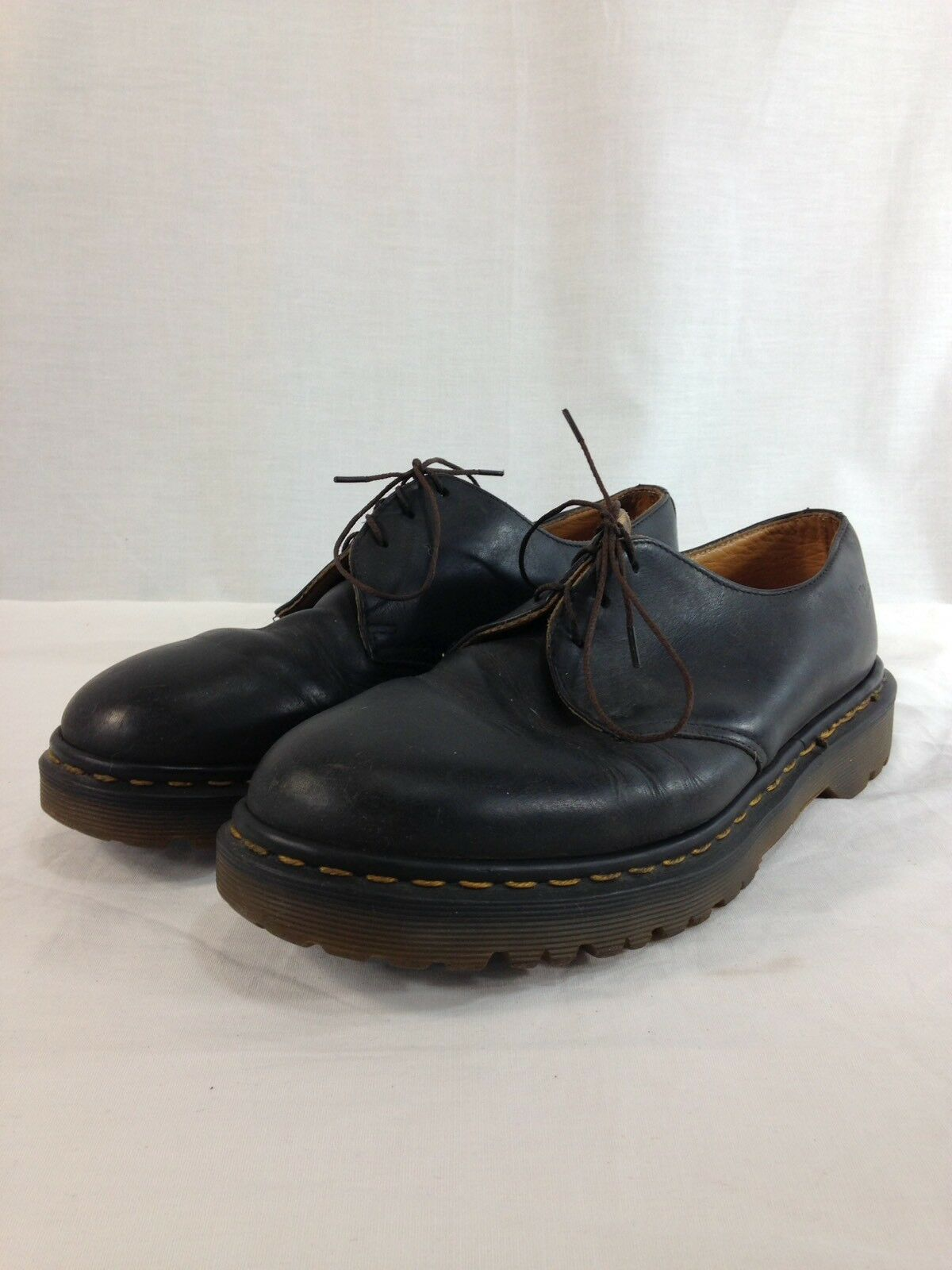 Dr. Martens The Original shoes Mens 8 Black Leather Air Cushion Sole England
