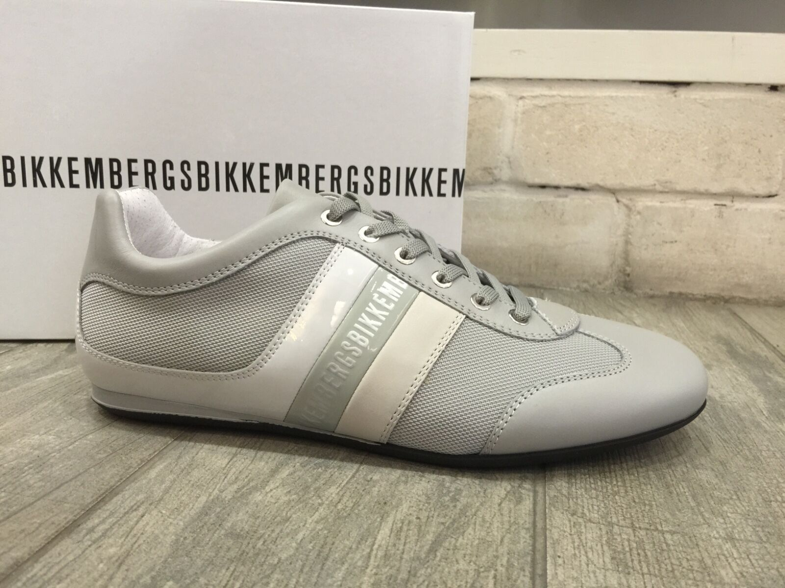 Scarpe casual da uomo  Dirk Bikkembergs uomos Sneakers Shoes Sneakers uomos Leather Trainers Gray BKE106574 New In Box b32455