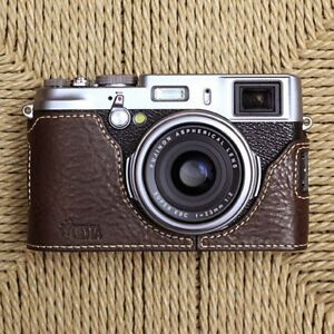 Ciesta-Leather-Half-Case-Fuji-X100S-Dark-Brown